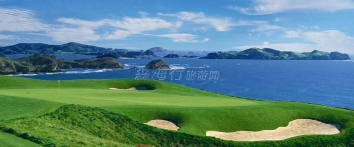 面臨大海的高爾夫場地