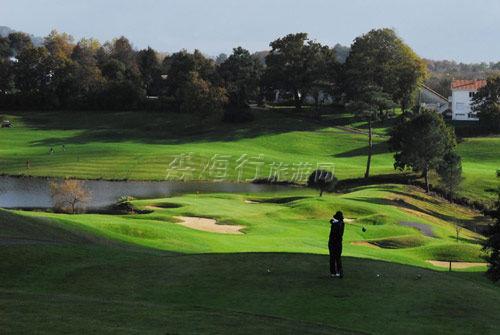 歐洲風情高爾夫 – 諾曼底布列塔尼海濱高球之行