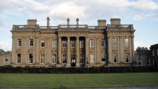 牛津大学大学外观典型欧式建筑
